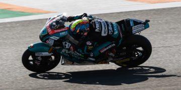 Jorge Navarro consigue la pole en Valencia con récord absoluto de la pista | Moto2 2019