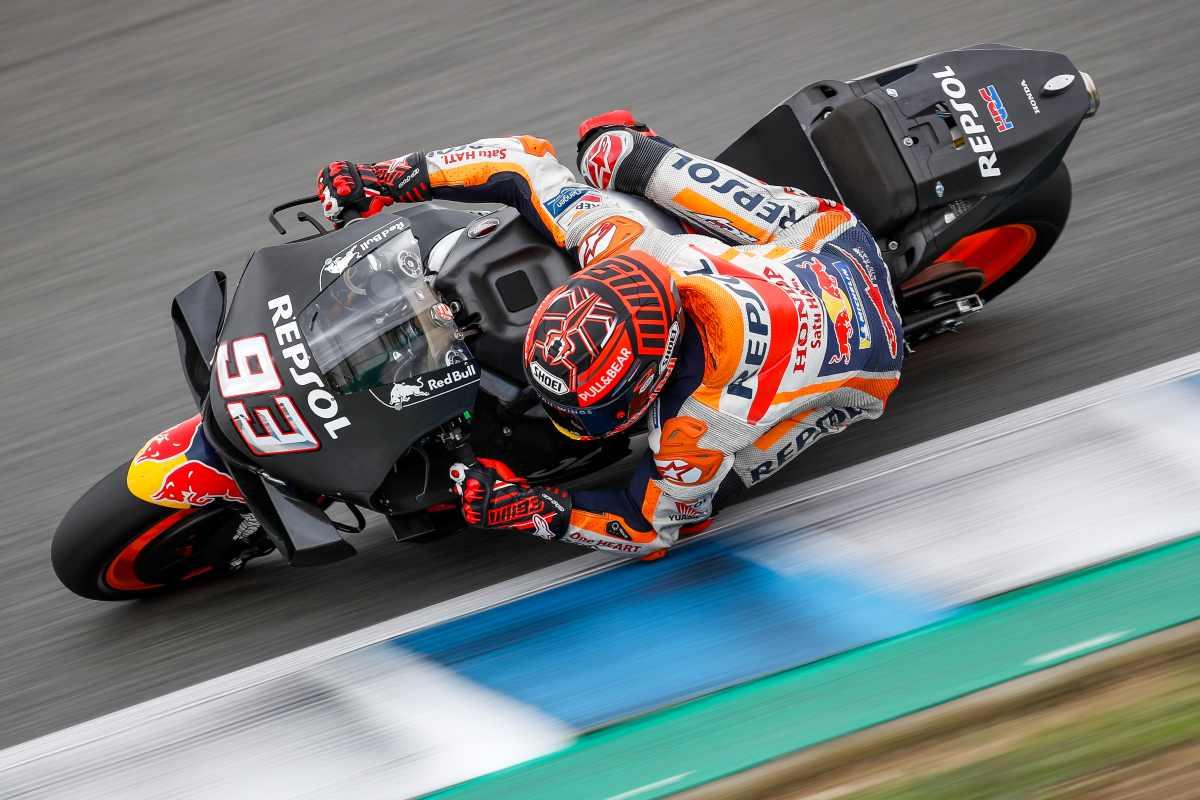 La lluvia condiciona los test de MotoGP en Jerez con Marquez al frente