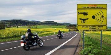La DGT señaliza los cien tramos de carreteras más peligrosos para los motoristas