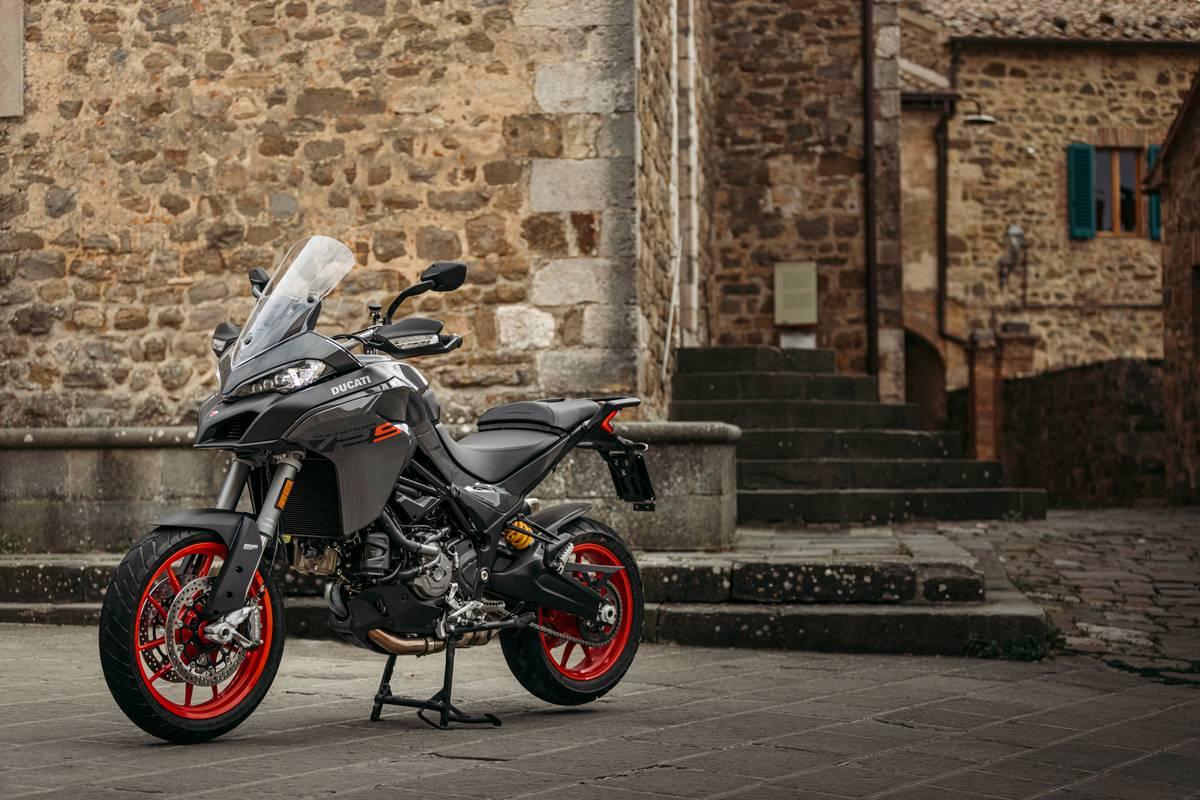 Nueva Ducati Multistrada V2 2022